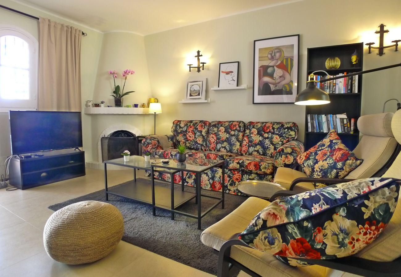 Villa in Nerja - 4 Bedrooms | Villa Hibiscos | CG R864