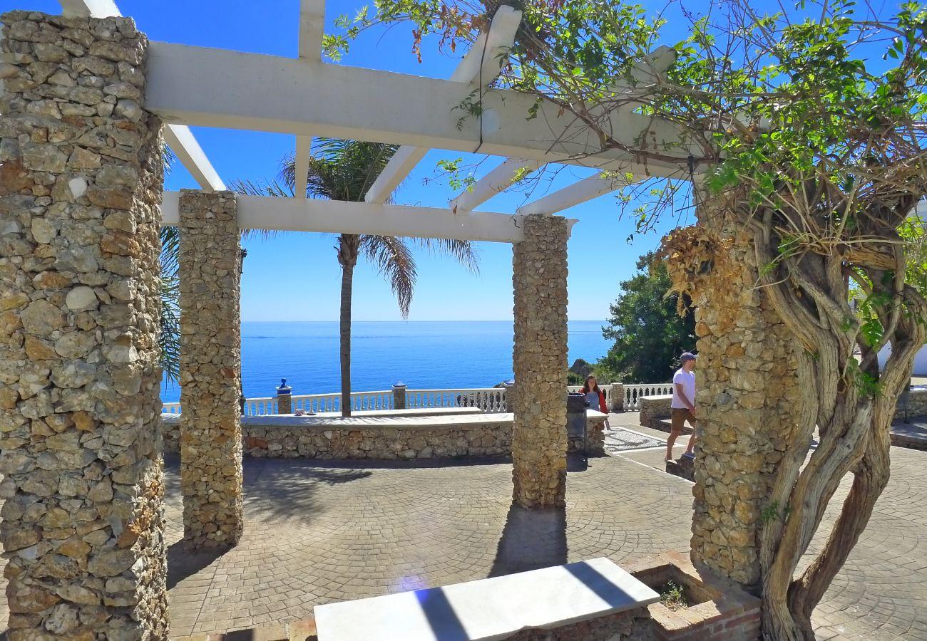 Apartment in Nerja - 2 Bedrooms | Acapulco Playa 14 | CG R857